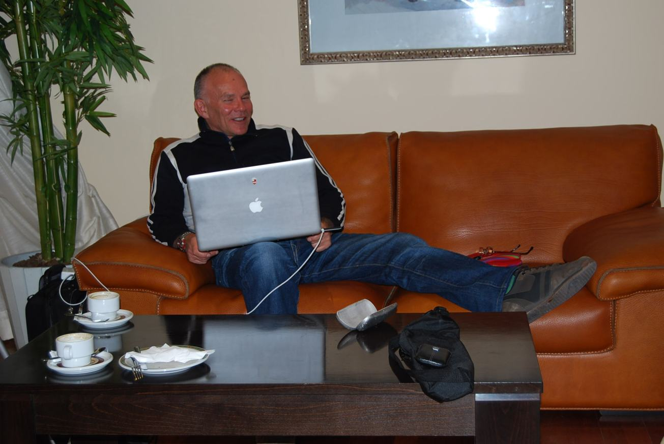 Photo by @TonyJaveaF1: Peter in his improvised office in Jerez - the glitz and glamour of Formula 1